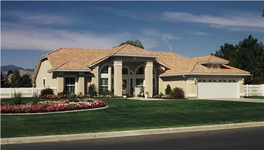 Florida style homes blend elegance contemporary chic and for Stucco house plans