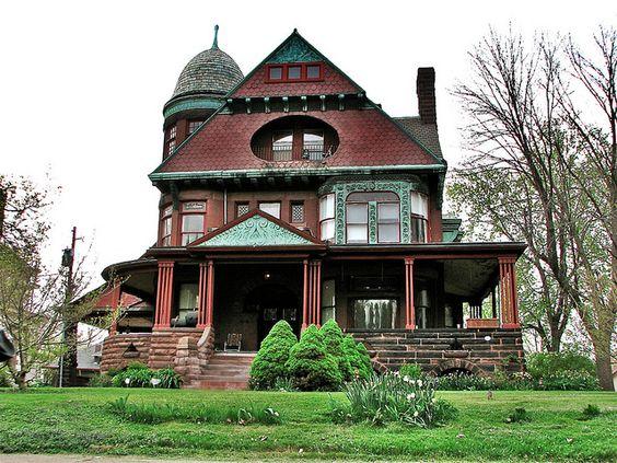 Renovated Victorian home in Peoria, IL
