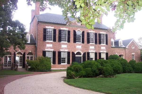 Woodlawn House, Federal style home designed by William Thornton