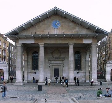 Large tapered Tuscan columns in St. Paul's Church, Covent Garden, London