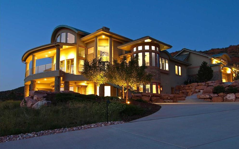 Luxury house plan 161-1000