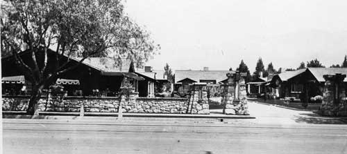 St. Francis Court in Pasadena, CA - the first bungalow court in Pasadena