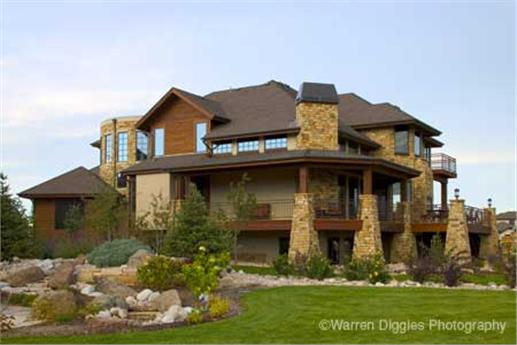 Mountain style home with walk-out basement