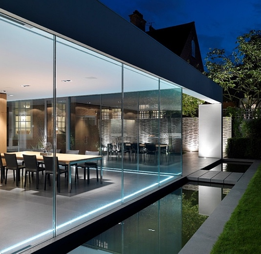 Reflecting pool in a modern landscpae