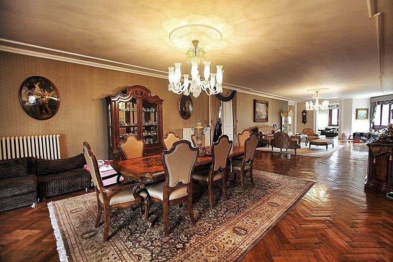 Spacious Great Room with furnishings that are a collectors dream