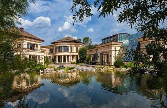 5-bedroom mansion in Moscow, Russia