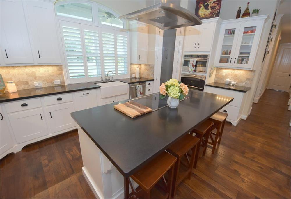 9 ideas for stylish kitchen countertop backsplashes