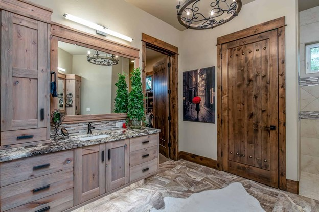 Large bathroom with lots of storage in cabinets and drawers