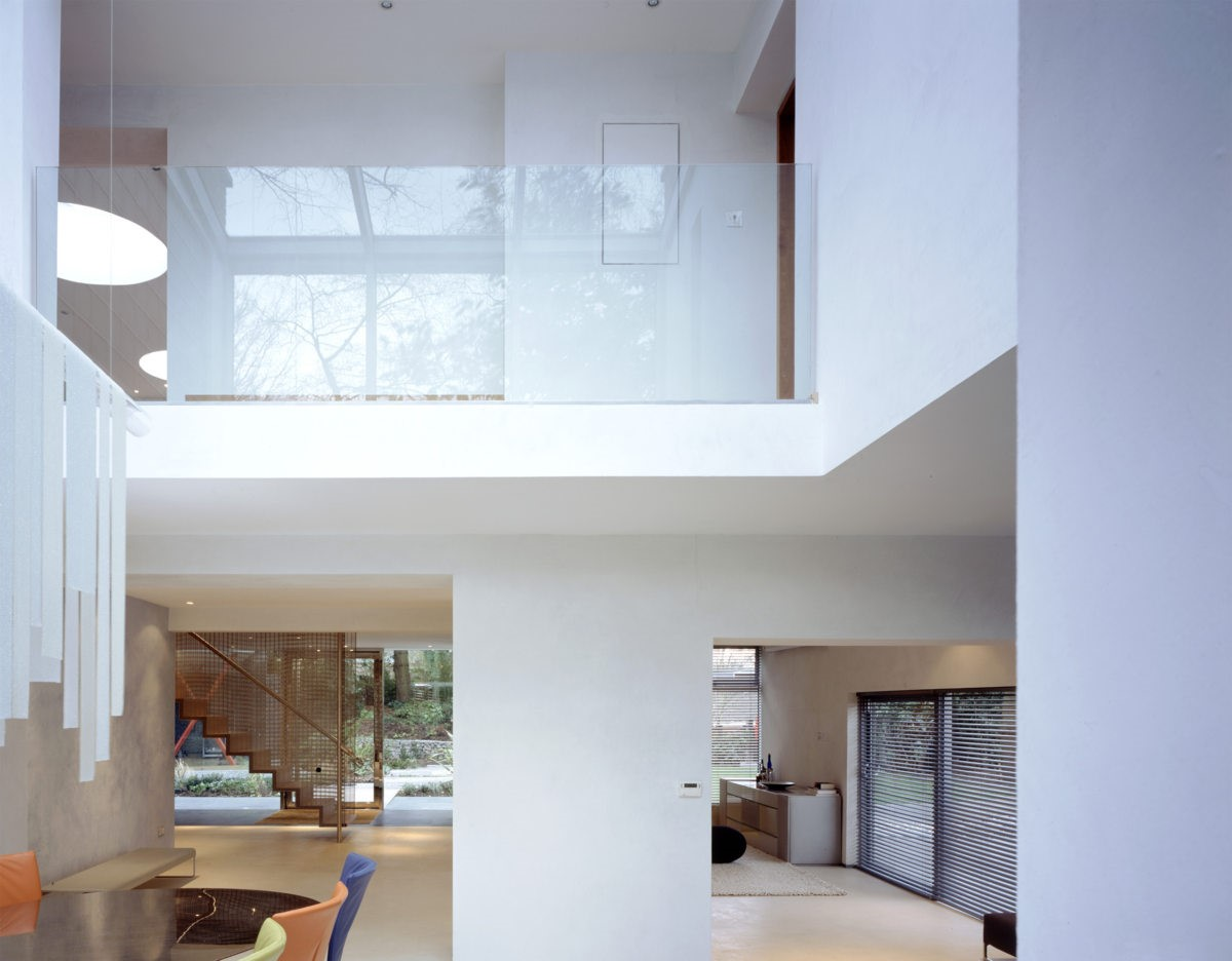 Glass gallery in VXO House  a 1960s family house renovated by Alison Brooks in Hampstead, UK