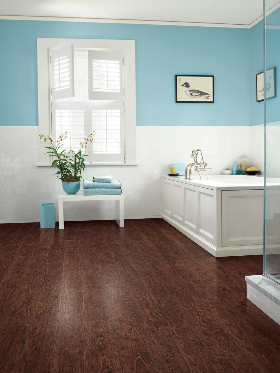 Bathroom with wood-look laminate flooring