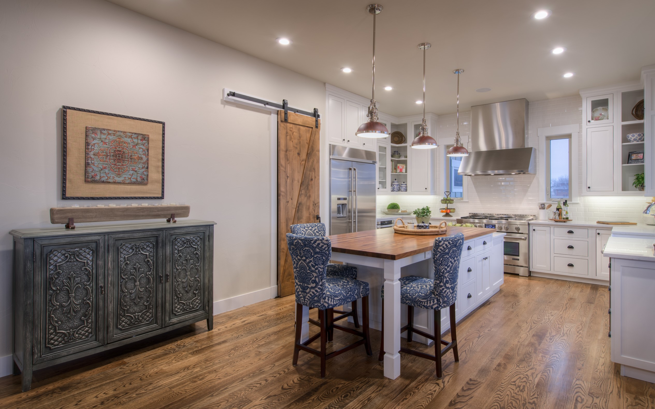 Center island in the country style kitchen of house plan #161-1072