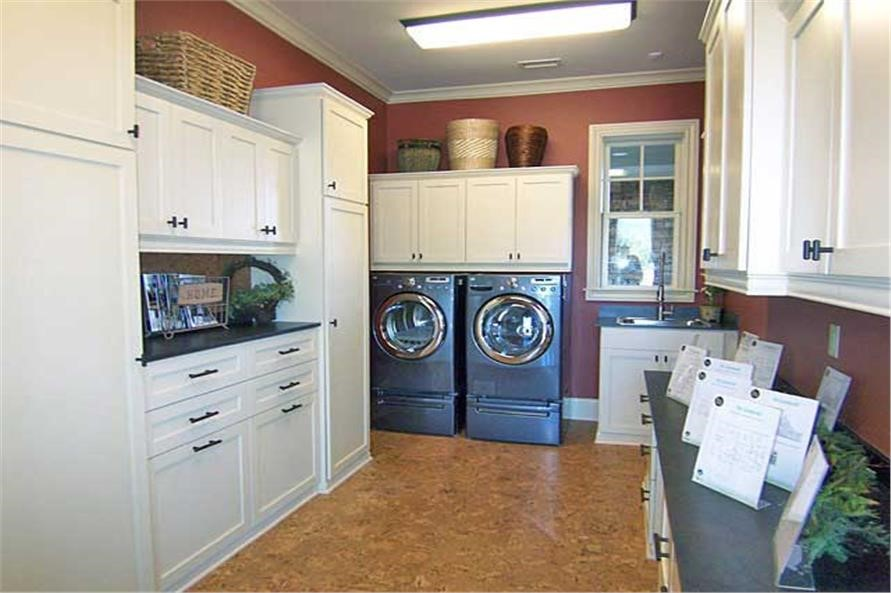 Mudroom/laundry room in house plan #183-1047