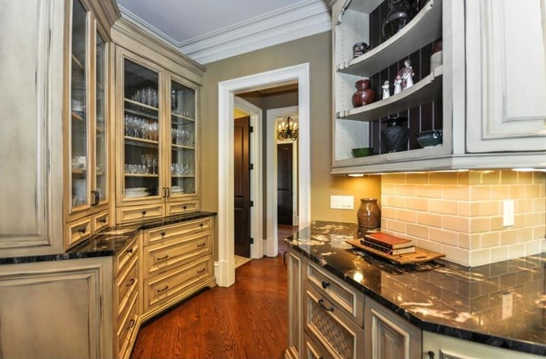 Luxury kitchen with Butler's Pantry