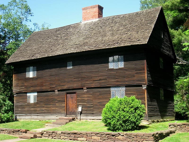 Buttolph William House in Connecticut - early Colonial home design