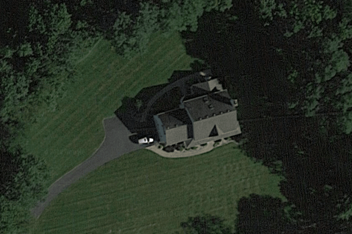 House positioned on a lot