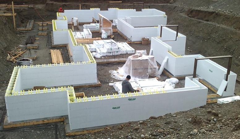 Icf construction why you should care about it for your for Basement wall forms