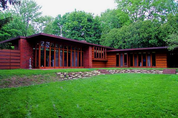 Jacobs House by Frank Lloyd Wright in one story Usonian style