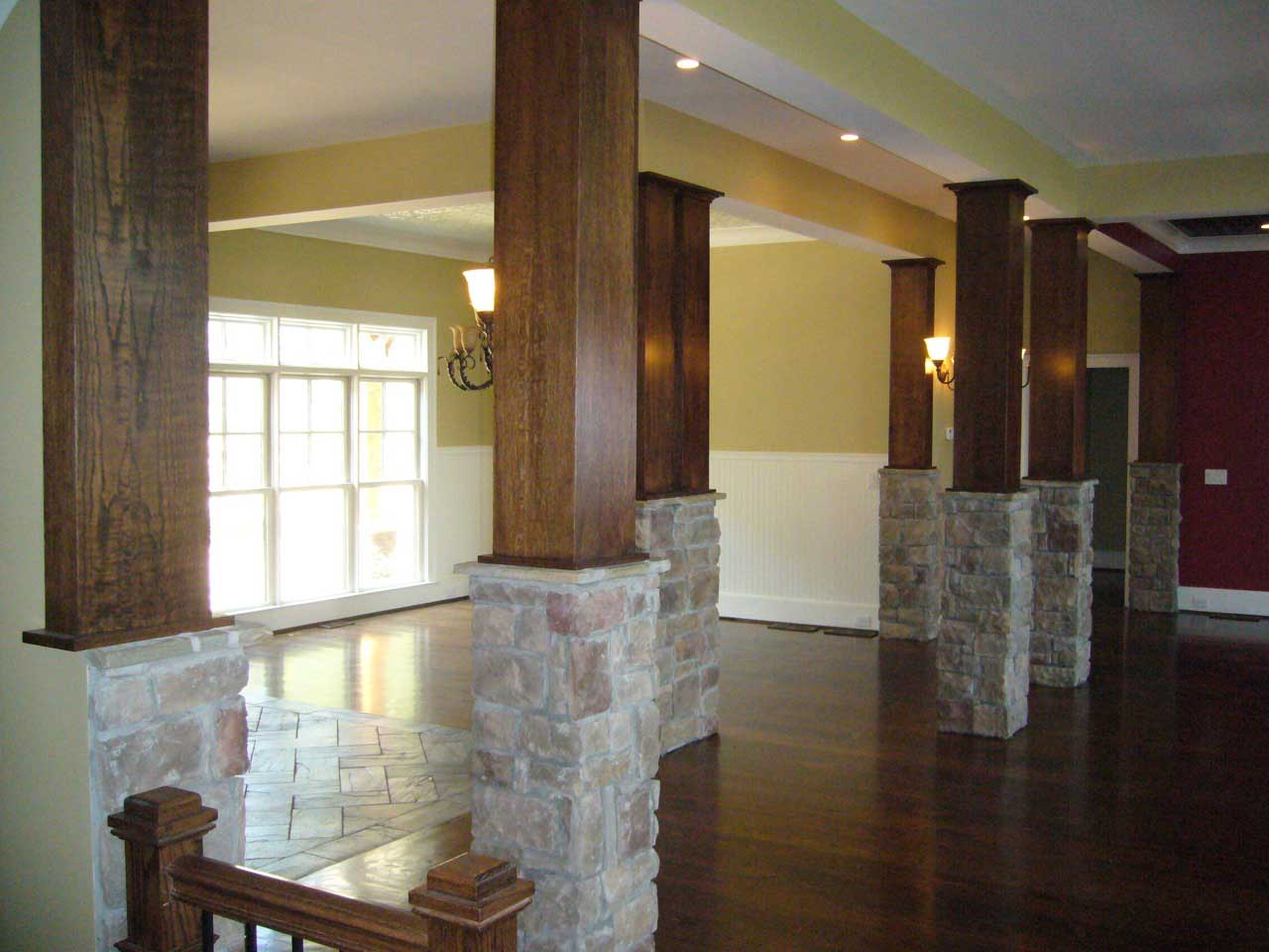 Example of pillars in this rustic Craftsman Plan #163-1027