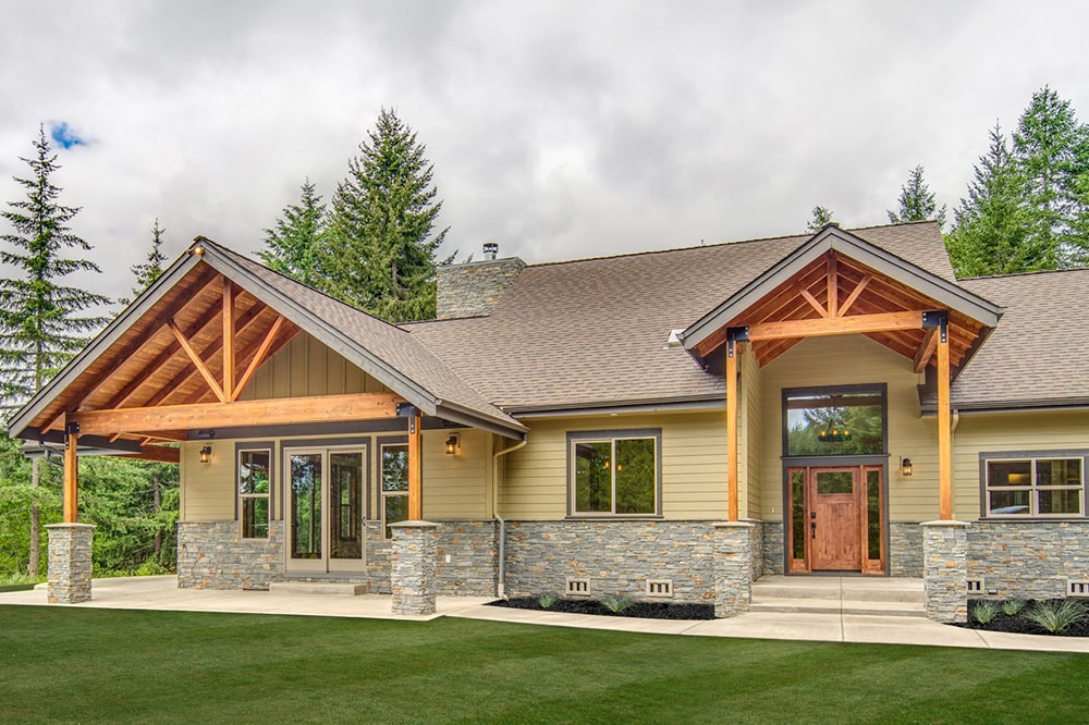 Main entrance to Ranch style house plan #108-1794