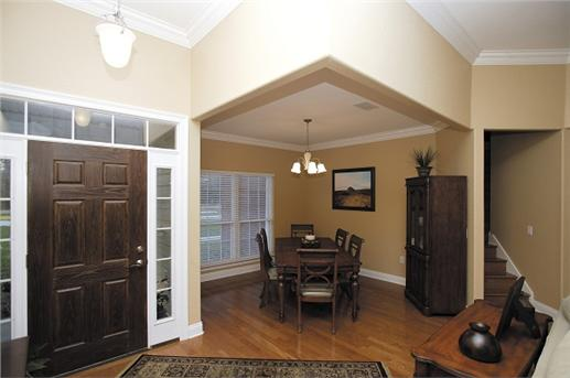 Open floor plan for entry hall and dining area