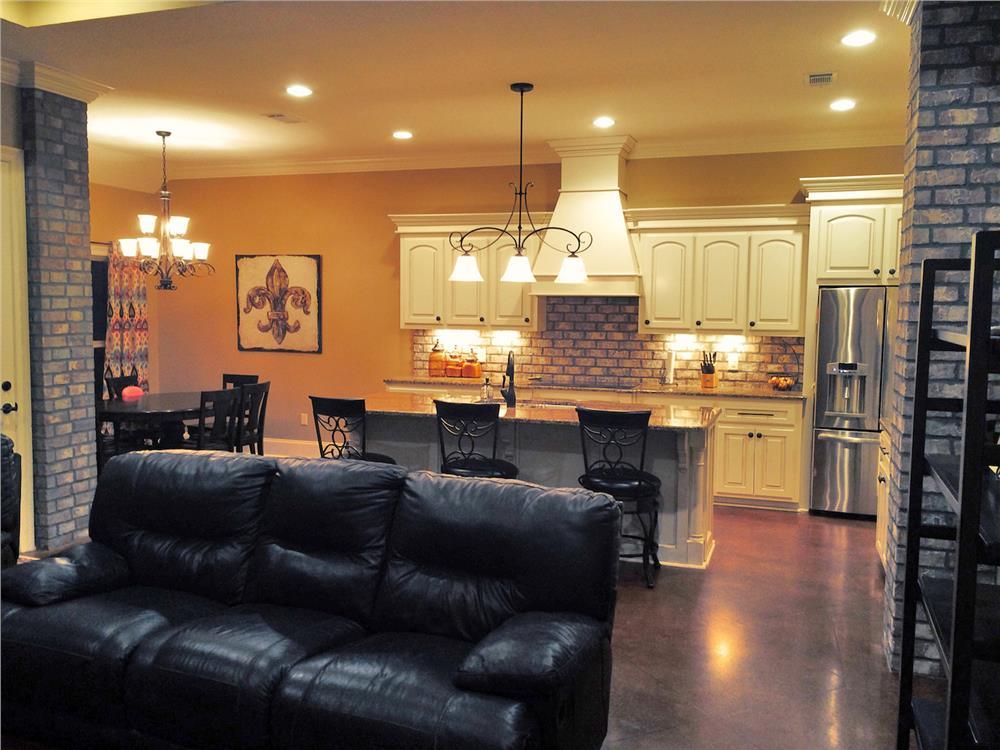 Open Plan white kitchen in House Plan #142-1155