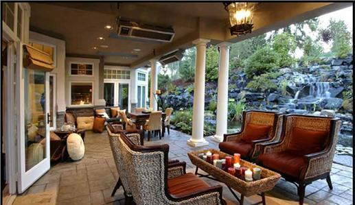 Outdoor living room -- perfect for entertaining.