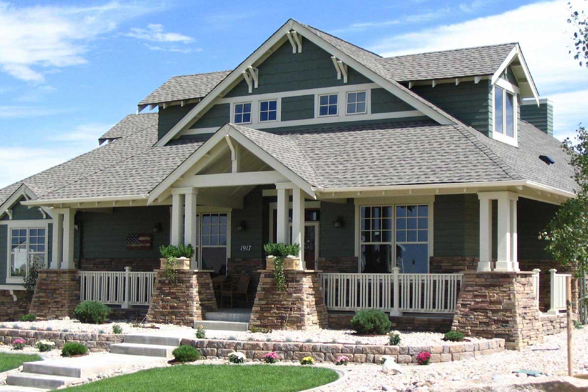 4-bedroom, 3.5-bath Arts and Crafts style house plan #161-1001