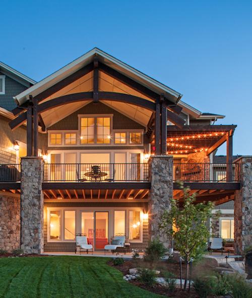Rear deck/porch on house plan #161-1067