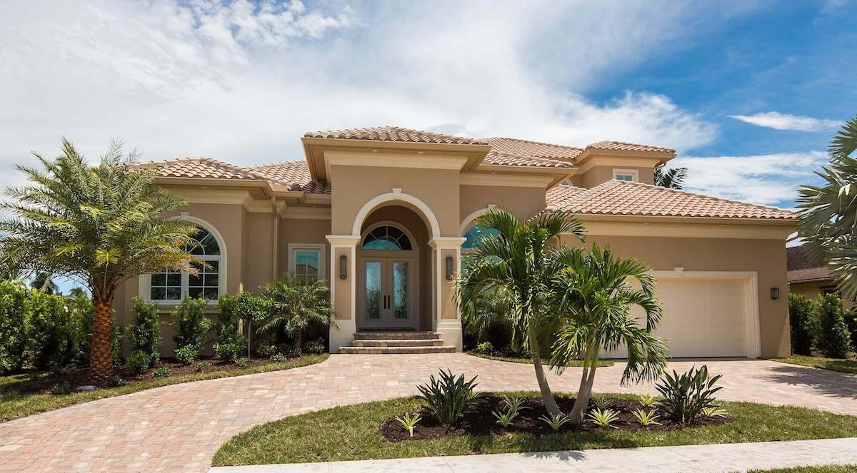Stucco-sided house plan $175-1132