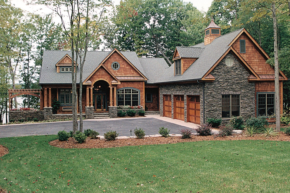 L-shape Craftsman style house plan #180-1020