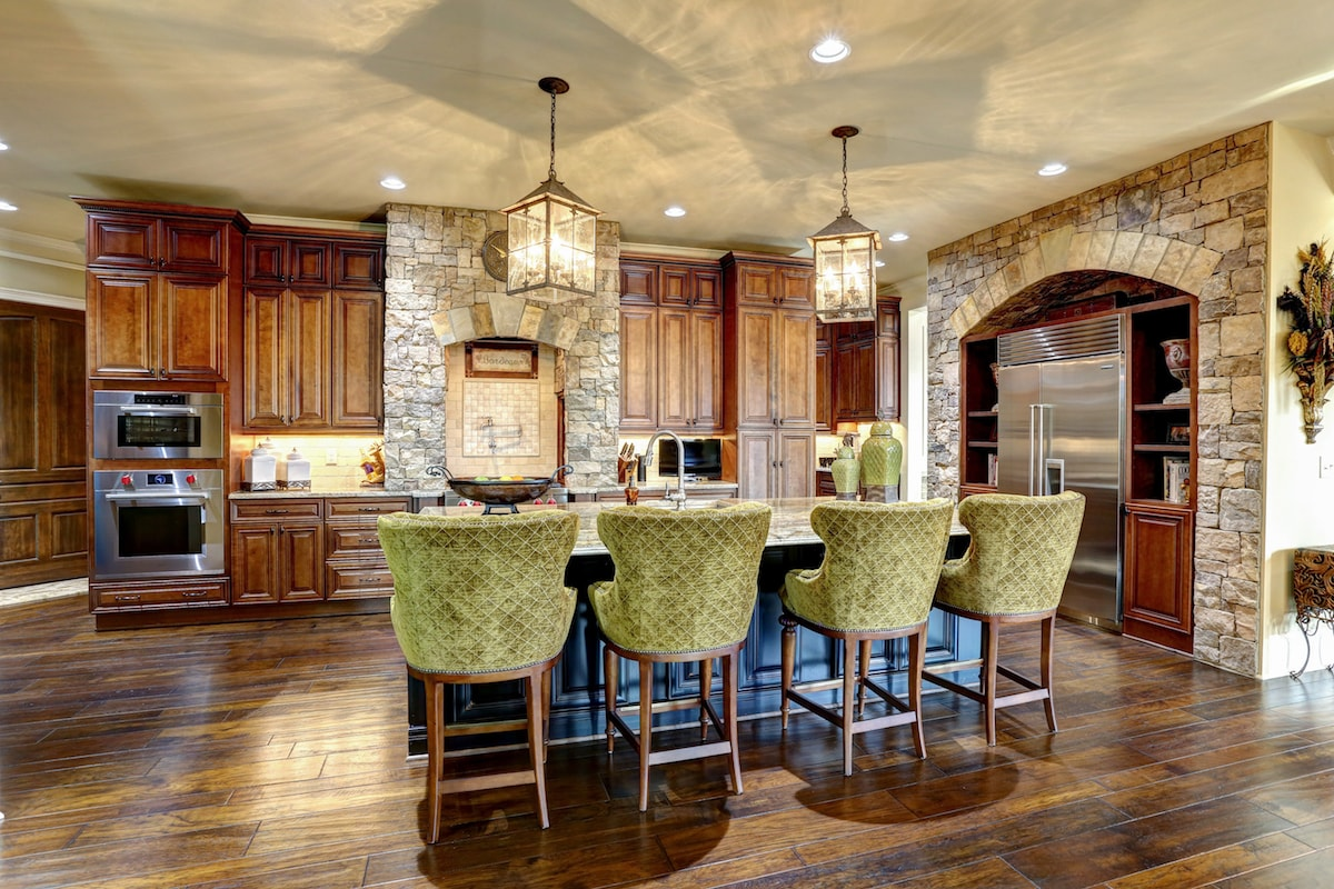 Lighting in kitchen of house plan #198-1032