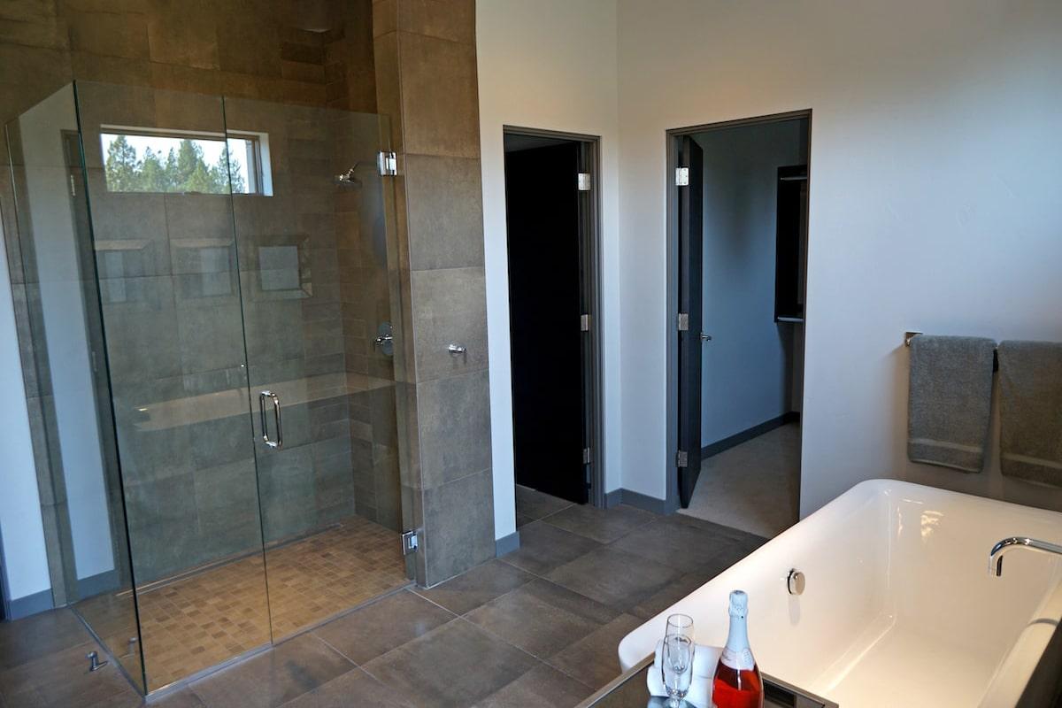 Sleek, modern bath in a 5-bedroom, 3.5-bath Contemporary style home
