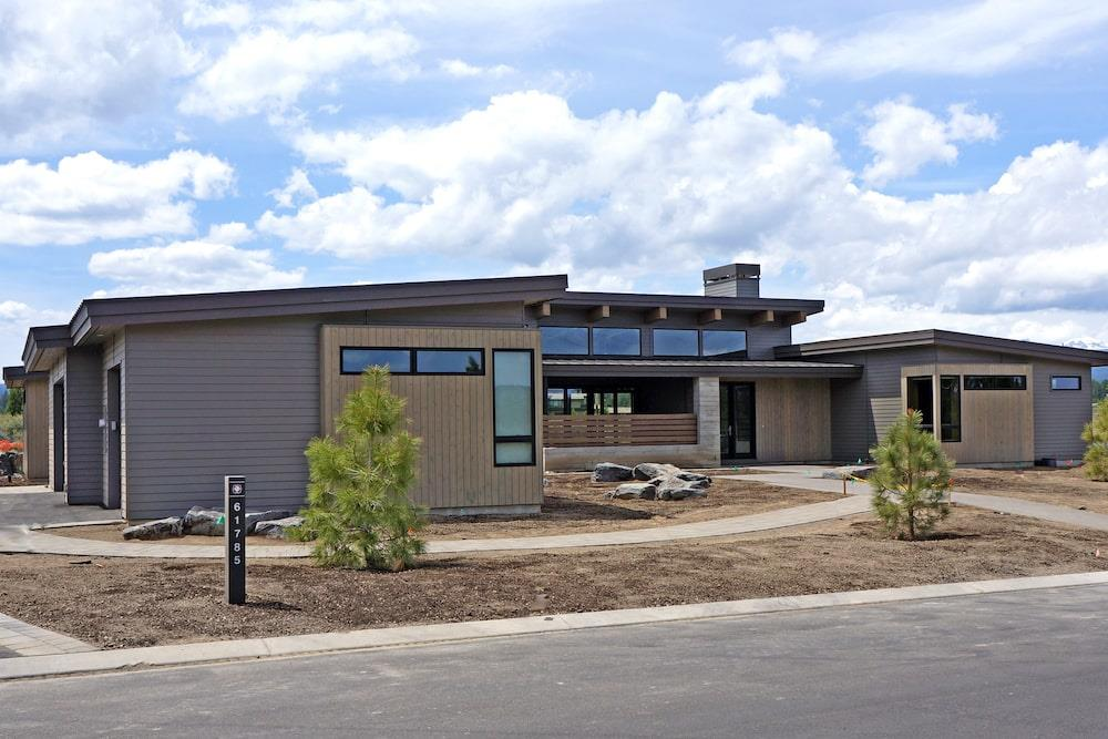 Modern style home with vertical and horizontal siding