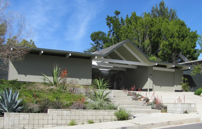 Foster residence - typical Eichler ranch house