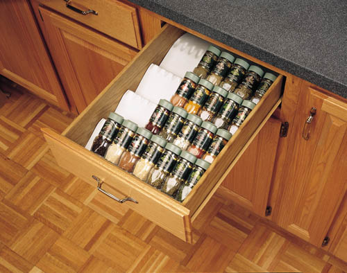 Spice storage drawer for kitchen
