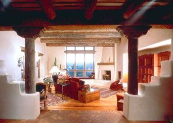 Southwest Style Home Traces Of Spanish Colonial Native