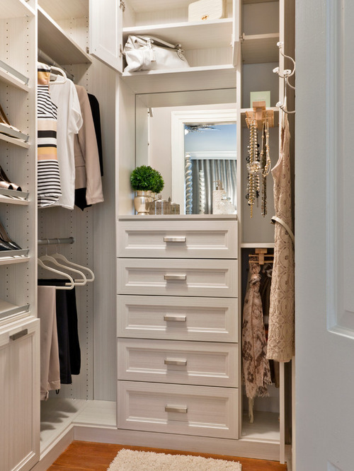 make sure you have bright lighting in your walk in closet to see colors accurately this closet is well lit from above and even has a mirror above the best lighting for closets