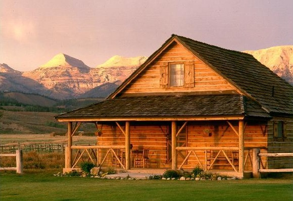 Jackson Hole luxury ranch overlooking mountain range.