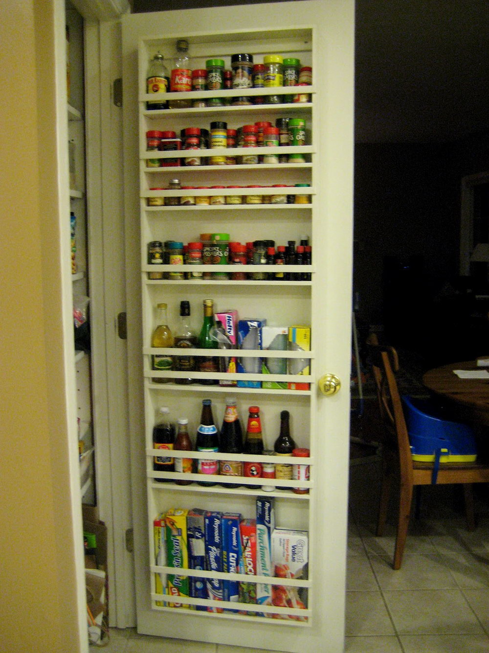 Back-of-door storage for kitchen pantry