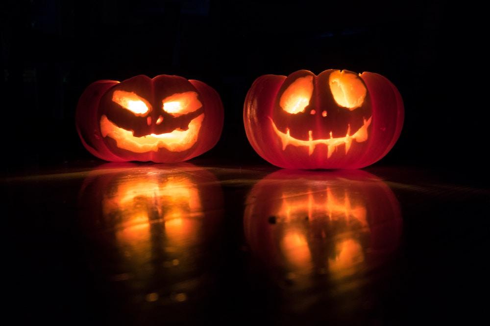 Jack-o-lanterns for Halloween decorating