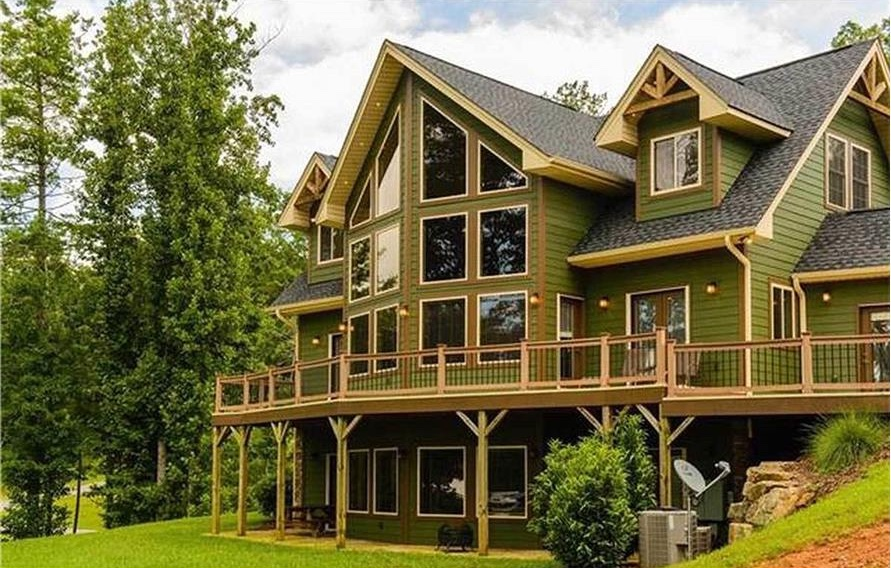 Beautiful vacation home with lots of large windows to take in great views